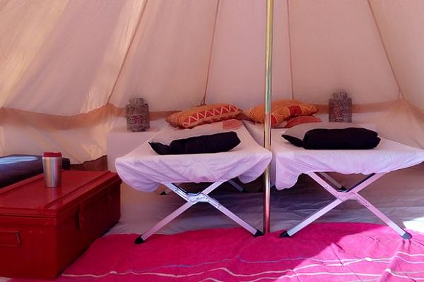 location-tentes-hébergement-nomade-loire-vélo-groupe